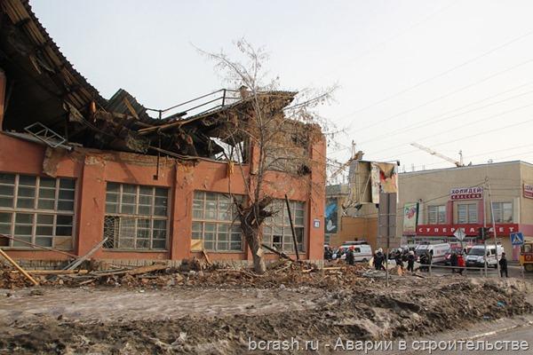 Новосибирск. Обрушение на территории ОАО Новосибирский жиркомбинат. Фото 2