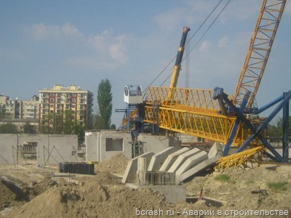 Симферополь. Упал кран. Фото 1