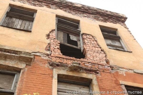 Выборг. Обрушение здания на улице Красина. Фото 2