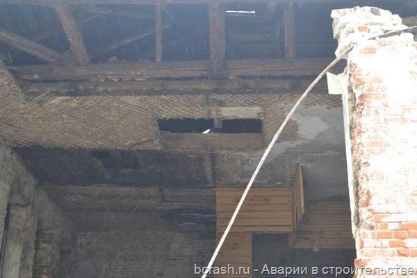 Владимир. Обрушение стены дома по улице Ильича. Фото 2