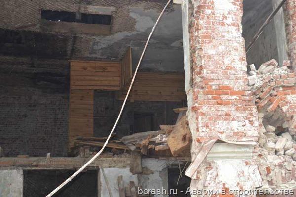 Владимир. Обрушение стены дома по улице Ильича. Фото 3
